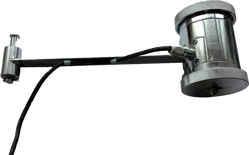 产品型号: 测速传感器 产品简介: 滚轮速度传感器是用来测量皮带速度的传感器,采用了先进的光电转换技术,能够可靠、准确地将皮带速度转化为脉冲频率信号输出。 技术指标: u 额定电压:12VDC; u 发光二机管输入正向电流:10mA(典型),集电极通光电流输出1mA(最小); u 脉冲电平:输出高电平幅值大于10V;输出低电平幅值小于5V; u 测速范围:0~5m/s;